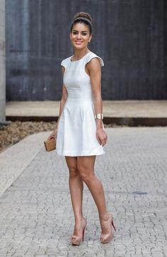 Sp fashion week dia 3 fashion inspirations простое платье, б Classy White Dress, Little White Dresses, White Outfits, Casual Outfits, Caroline Daur, Cute Dresses, Short Dresses, Girl Fashion, Fashion Outfits