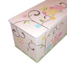 Childrens toy box Hooo loves pink chunky by coopercreations, Painted Toy Chest, Painted Boxes, Diy Toy Box, Childrens Toy Storage, Wooden Toy Boxes, Cute Furniture, Decoupage, Toy Barn, Woodworking Toys