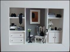 Maravilhoso quadro cenário para LOJA MASCULINA, confec <br>cionado em mdf, pintura branca, modelo CLOSET, com mi <br>niaturas em mdf, miniaturas em resina, roupinhas masculinas <br>espelhinho provençal, rico em detalhes! POSSUI VIDRO FRON <br>TAL QUE AGREGA MAIOR DURABILIDADE A PEÇA!!!, <br>EXCLUSIVIDADE ATELIER BY DREAMS!!! <br>ACEITAMOS ENCOMENDAS DE QUADRO CENÁRIOS PER <br>SONALIZADOS PARA SUA LOJA, CLINICA, CONSULTÓRIO! <br>CONSULTE-NOS P/PRAZO E PREÇOS!