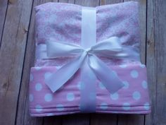 Luce rosa damascena e Light Pink Polka Dot Baby coperta - coperta di cotone - Nursery Decor - Damasco di Chevron strisce Gingham Polka dots
