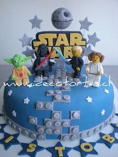 Like the idea of using lego icing around the base of the cake instead of ribbon