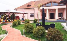Kaštieľ Ivachnová na Liptove Pergola, Outdoor Structures, Outdoor Decor, Home Decor, Decoration Home, Room Decor, Outdoor Pergola, Home Interior Design, Home Decoration