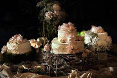 rustic & romantic cake table!