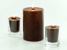 This simple technique makes unique crackle candles, perfect for fall and winter décor!