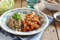 Kelkáposztás paradicsomos csirkeragu gerslivel Fried Rice, Fries, Curry, Paleo, Chicken, Meat, Ethnic Recipes, Food, Quinoa