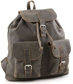 RUCKSACK: Mehrere Taschen und zwei Schulterriemen machen den Rucksack zum…
