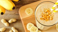 Check out this recipe! Banana Oat Smoothie, Peanut Butter Smoothie, Kids Nutrition, Nutrition Tips, Fitness Nutrition, Nutrition Shakes, 310 Shake Recipes, Nutrition Sportive, Post Workout Snacks