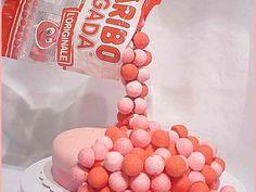 Gravity cake et sa ganache aux fraises tagada