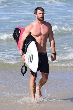 It seems Chris Hemsworth can't get enough of the sun, sand and surf with the Thor star hanging ten with mates in Byron Bay on Thursday. Chris Hemsworth Thor, Fitness Before After, John Krasinski, Alexander Skarsgard, Ryan Reynolds, Sylvester Stallone, Dwayne Johnson, Fitness Workouts, Jason Momoa