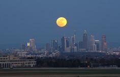 Fotos de la Super Luna en el mundo.. 19-03-2011