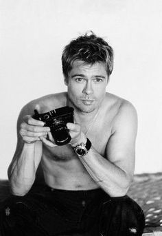 Obvious History: Brad Pitt and Jason Priestley's shower competition - Interview Magazine Leica, Jason Priestley, Brad And Angelina, Environmental Portraits, Celebrity Skin, Dapper Gentleman, Famous Photographers, Portrait Poses, Good Looking Men