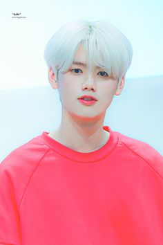 Male Idols Who Totally Rock Bright Hair Colors - Koreaboo Bright Hair Colors, Love U Forever, Fandom, My Boo, Picture Credit, Kpop Boy, Boy Groups, Minis, Natural Hair Styles