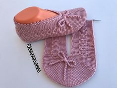 Baby Knitting Patterns, Knitting Stitches, Baby Patterns, Quilt Patterns, Crochet Dolls, Crochet Baby, Log Cabin Quilt Pattern, Knitted Slippers, Baby Shoes