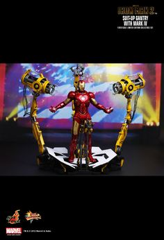 Hot Toys : Iron Man 2 - Suit-Up Gantry with Mark IV 1/6th scale Limited Edition Collectible Set