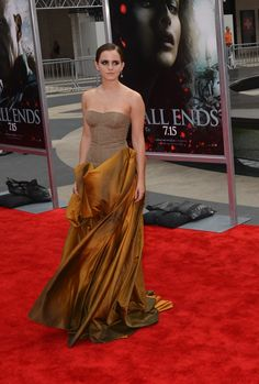 Emma Watson attends the premiere of 'Harry Potter and the Deathly Hallows - Part photo by John Carta Deathly Hallows Part 2, Harry Potter Movies, 2 Photos, Emma Watson, Nyc, Formal Dresses, Fashion, Dresses For Formal, Moda