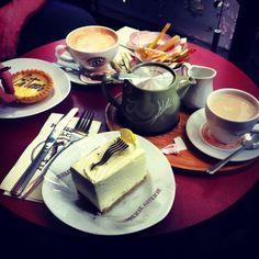 Abit of Valerie. Cake. Tea. Leeds. Food