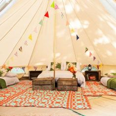 Glamping inspiration in the beautiful tent set-up