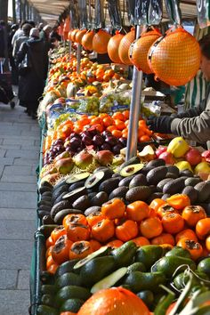 Market Day in Le Marais of Paris, France. http://www.farmersmarketonline.com/fm/France.html