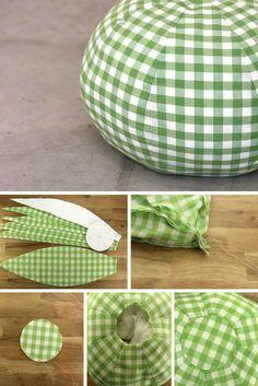 Tuto : réaliser un joli pouf en tissu // http://www.deco.fr/loisirs-creatifs/actualite-737693-tuto-realiser-joli-pouf-tissu.html
