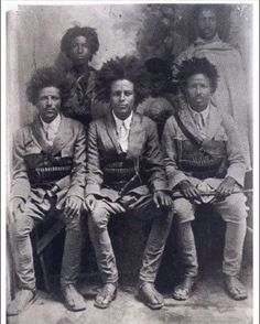 Fascinating Black Hair History Facts You've Probably Never Heard Before Ethiopian freedom fighters NEGRITOS Negro black beauty beautiful afroEthiopian freedom fighters NEGRITOS Negro black beauty beautiful afro Black Hair History, Black History Facts, Strange History, Black Art, Kings & Queens, By Any Means Necessary, African Diaspora, We Are The World, My Black Is Beautiful