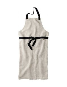 Classic apron, made from natural Baltic linen with contrast cotton herringbone straps. Single deep patch pocket.