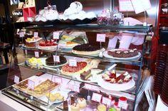 Kakkugalleria - Cafe and bakery serving handmade cakes, pastries, truffles and other tasty treats. Photo: Elisabeth Heinrichs. #Finland #Helsinki #Food #Kakkugalleria #Cafe #Bakery #FoodHelsinkiHELYEAH