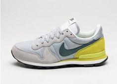 Nike Internationalist (Wolf Grey / Hasta - Bright Cactus)