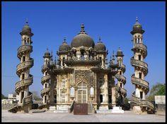 Bahauddin Maqbara Mausoleum. Junagadh, Gujarat.  By: Raveesh Vyas
