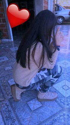 Anupriya Teen Girl Poses, Teen Girl Outfits, Cute Girl Poses, Girl Photo Poses, Lovely Girl Image, Beautiful Girl Photo, Cute Girl Photo, Teenage Girl Photography, Girl Photography Poses