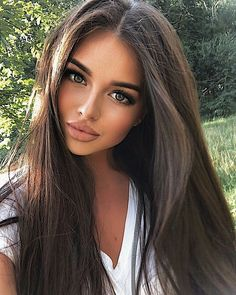hair beauty - Gorgeous Hair Color Idea That Will Inspire You Love this look > NaturalLooking hairstyles haircolor hair brownhair Brunette Beauty, Brunette Hair, Brunette Makeup, Pretty Girls Brunette, Perfect Brunette, Stunning Brunette, Beauty Makeup, Hair Makeup, Hair Beauty
