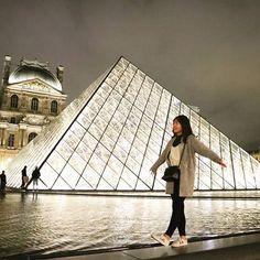 Instagram【sudaru.h】さんの写真をピンしています。 《. . 파리의 마지막밤 에펠탑만큼이나 낭만적이고 예뻣던 루브르의 야경 . . パリでの最後の夜 エッフェル塔ほどにロマンチックで綺麗だったルーブルの夜景 . . #프랑스 #파리 #루브르박물관 #야경 #예쁘다 #신남 #라랄라 #소통 #여행스타그램 #선팔 #맞팔 #france #paris #louvre #romentic #beautiful #フランス #パリ #ルーブル #夜景 #写真 #綺麗》