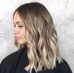 40 Ash blonde Hairstyles You're Going To See Everywhere Gradient blonde by Emily Stitzinger Balayage Straight, Ash Blonde Balayage, Hair Color Balayage, Balayage Hair Salon, Dark Blonde Highlights, Chunky Highlights, Caramel Highlights, Color Highlights, Blond Hairstyles