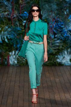 See the entire Alberta Ferretti resort 2020 collection. Vogue Paris, Summer Wear, Spring Summer, Runway Magazine, Vogue Australia, Vogue Russia, Alberta Ferretti, Mannequins, Mom Jeans