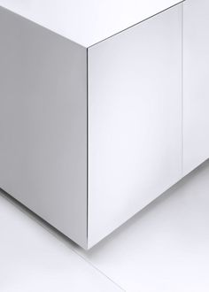 All-white, all-corian kitchen. The Cube kitchen by Miyo Design for Nuuun.
