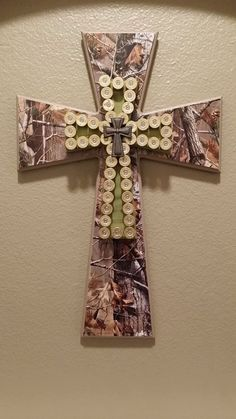 Handcrafted wooden crosses with shotgun shells for 2014 crafts - tridimensional… Ammo Crafts, Bullet Crafts, Hunting Crafts, Wood Crafts, Fun Crafts, Diy And Crafts, Arts And Crafts, Shotgun Shell Art, Shotgun Shell Crafts