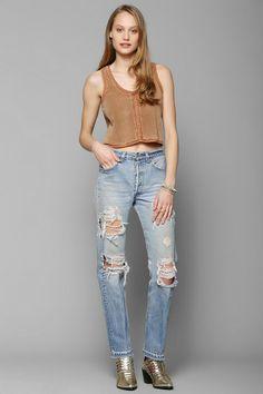 Urban Renewal Super-Destroyed Levi's Jean #urbanoutfitters dem jeans.