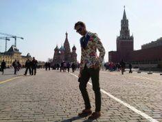 Marcin Cejrowski wearing De La Garza Polish folklore pattern blazer.