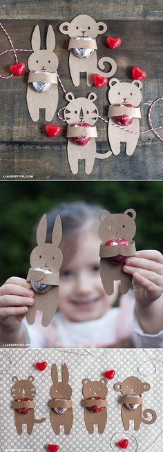 DIY: Kids Valentine's Candy Huggers (Free template) by liagriffith #DIY #Valentines #Candy_Hugger