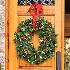 Stretch Your Wreath - 101 fresh christmas decorating ideas - Southern Living
