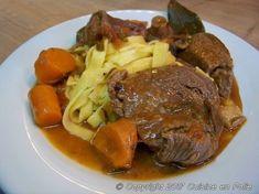 Cuisine en folie: Boeuf bourguignon Pot Roast, Beef, Ethnic Recipes, Dutch Oven, Beef Bourguignon, Roast Beef, Ox, Ground Beef, Steak