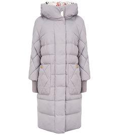 Пальто на натуральном пуху La reine blanche 153587000, купить недорого в Москве, каталог 2016, 2017, цена с фото, все размеры, доставка дешево в интернет-магазине Снежная королева