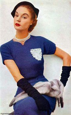 Jean-Patchett, 1952....reépinglé par Maurie Daboux ❥•*`*•❥
