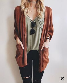 comfy orange cardigan with black ripped jeans and sunnies. #hipsteroutfits