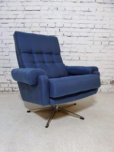 Niebanalny fotel obrotowy w nieprzeciętnym rozmiarze. Daje przyjemność siedzenia (ale i kręcenia; kto tego nie…