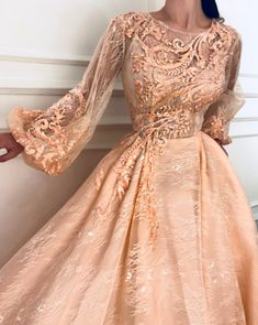 Rose Fawn TMD Gown : Details - Rose color - Embroidered tulle with Silk Taffeta fabric - Handmade embroidered flowers - Party dress Evening dress Elegant Dresses, Pretty Dresses, Vintage Dresses, Formal Dresses, Couture Dresses, Fashion Dresses, Looks Party, Flirt, Mode Inspiration