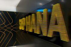 SAP AG - CeBIT 2012 Produktinszenierung SAP HANA | Marken- und Design-Agentur Zeichen & Wunder | Corporate Design CD | Corporate Identity CI | Messe Retail PoS