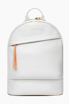 ¡Súper a la moda! Mochila Social, Backpack Purse, Leather Backpack, White Backpack, Fashion Bags, Fashion Backpack, Work Fashion, Fashion Wear, Chic Et Choc
