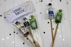 Simply make DIY schnapps rockets yourself - great for you .- DIY Schnaps Raketen einfach selber machen – super für die Silvester Party Make DIY schnapps rockets easily – the perfect gift idea for New Year& Eve and your Silverster celebration - Silvester Party Diy, Diy Crafts To Do, Best Wedding Gifts, Neighbor Gifts, Homemade Beauty Products, New Year Gifts, Party Bags, New Years Eve Party, Box Design