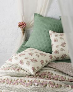 Good Earth brings you luxury design crafted by hand, inspired by nature and enchanted by history, celebrating India's rich history and culture through original, handcrafted products. King Bed Sheets, King Beds, Block Printing Designs, Home Tex, Cushion Inspiration, Bedroom Ideas, Bedroom Decor, Bed Cushions, Hand Printed Fabric
