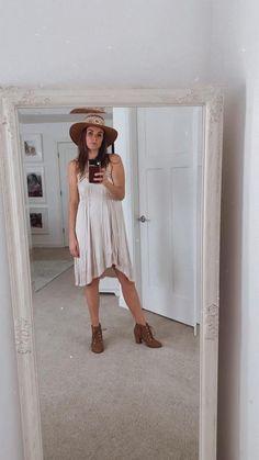 Fits sizes extra small to medium High Low, Shoulder Dress, Beige, Medium, Mini, How To Wear, Closet, Dresses, Fashion
